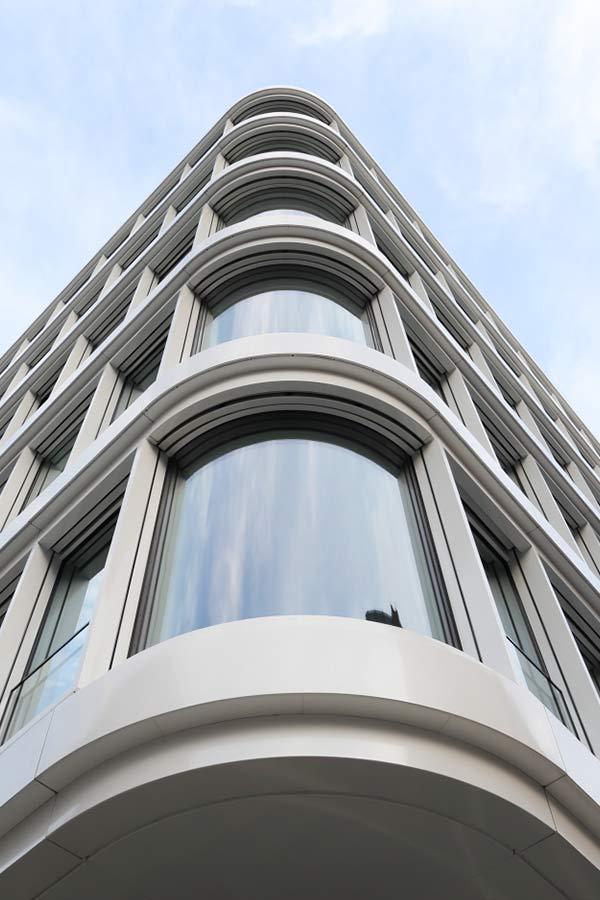 HD Wahl beschichtete das Baltic Haus in Hamburg mit DURAFLON® Phönixweiß.