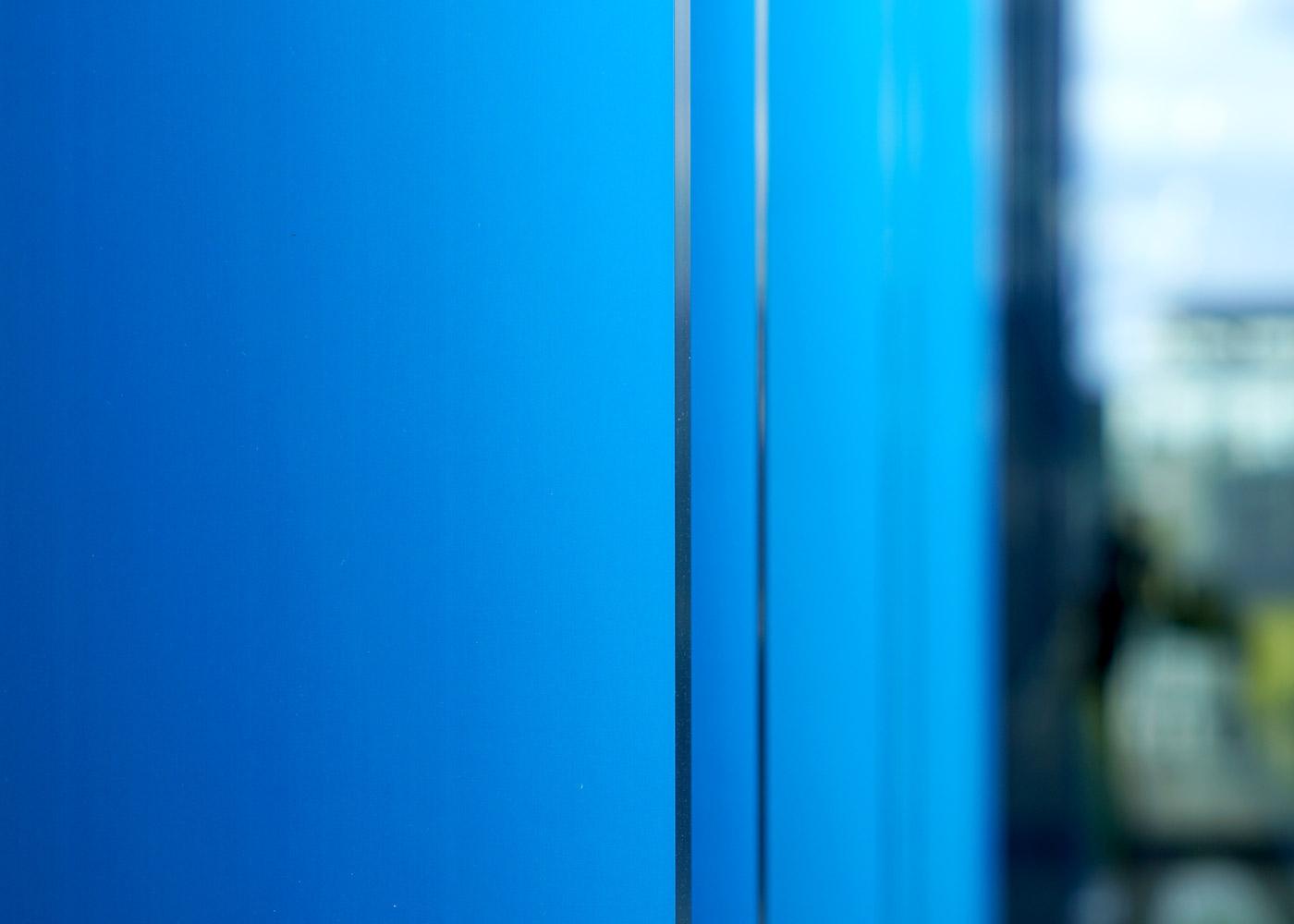 SANDALOR Türkisblau, ist die Farbe des Himmels und der Ozeane.